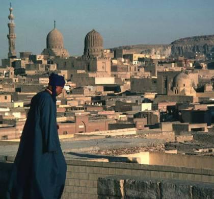 Recensione Il nostro quartiere di Nagib Mahfuz