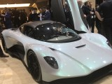 Aston Martin AM-RB 003 blanco en el Show de Ginebra