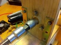 Auger-motor coupling assembled on the extruder