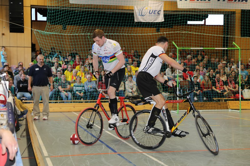 indoor_cycling_cycle-ball_elite_european_championships_12_20150510_1306107096