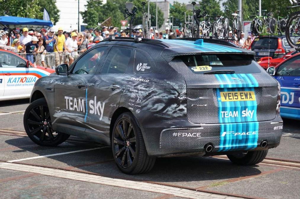 tour-de-france-team-cars-team-sky-jaguar-f-pace-suv-photos-01