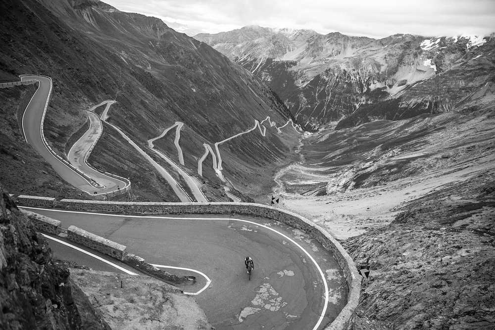 Mike+Cotty+climbing+the+Passo+dello+Stelvio+for+The+Col+Collective