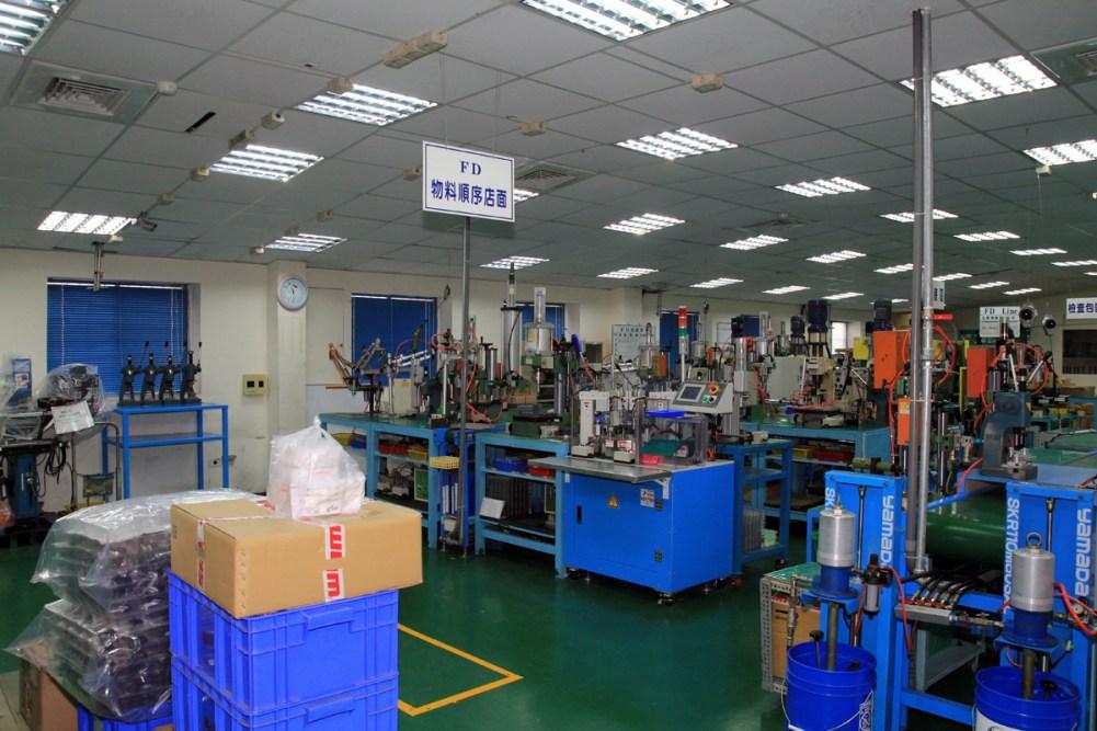 SRAM-Taiwan-Factory-Tours-Suspension-Shifters-Derialleurs-Carbon-production079