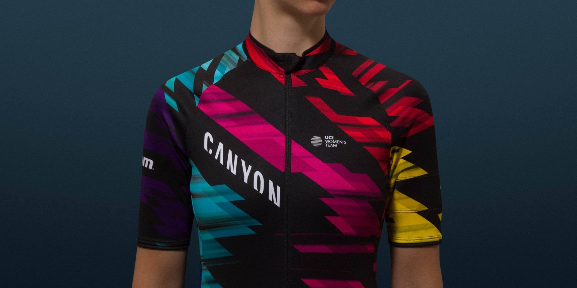 cd4a10596 Rapha s striking Canyon  SRAM racing kit now available for men