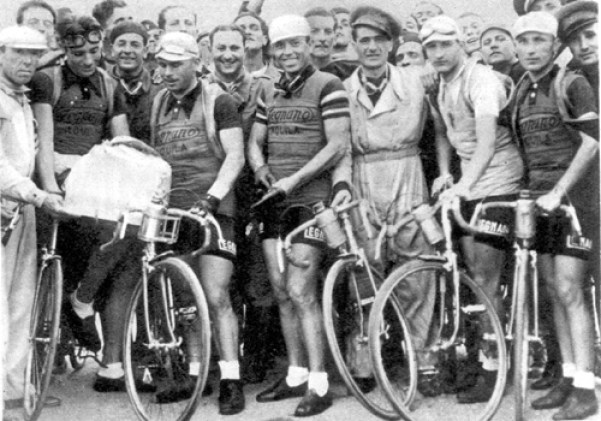 1937-la-sq