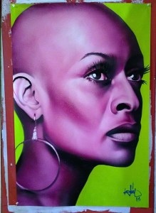 Mujer negra en purpura