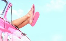 113134-pink-flip-flop-summer
