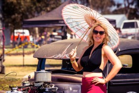 Miss Sandra Horne as seen in Cruzin issue 178 was found adding a touch of elegance to the dusty festival.