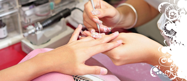 Nail Technician Training in Iowa