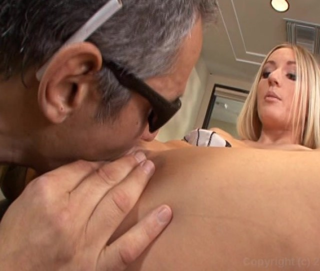 Free Video Preview Image 4 From Celebrity Apprentass