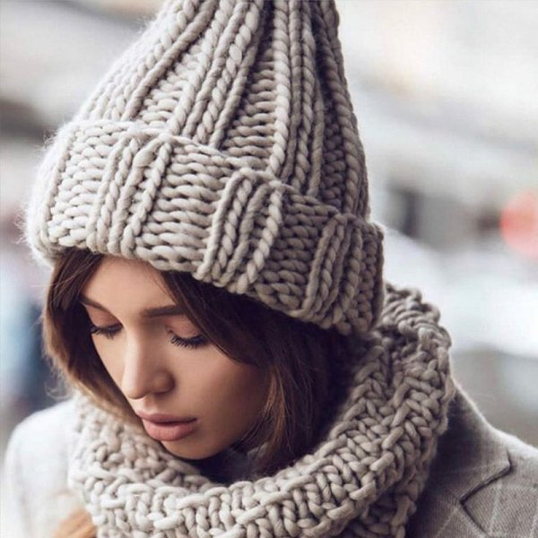 Women Hand Made Knitting Hat High Quality Customizable Logo Winter Warmer Ear Thick Soft Beanie Lady Chunky Knitted Rib Hats 2