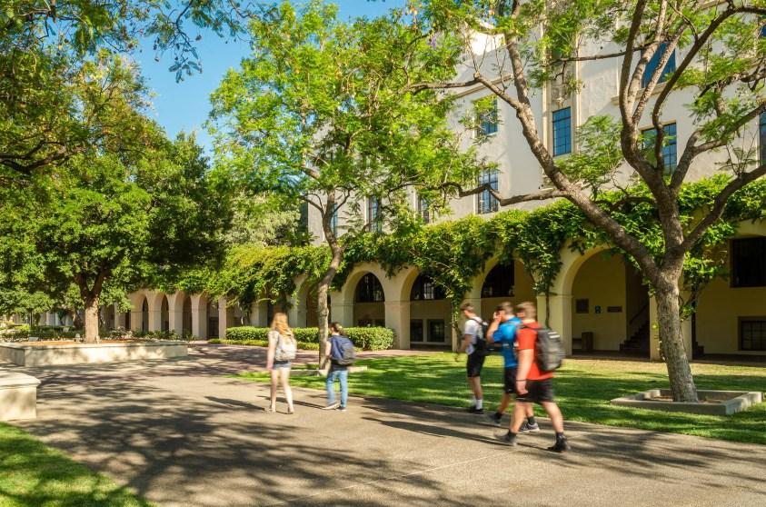 Students walking through Bechtel Mall, Caltech.