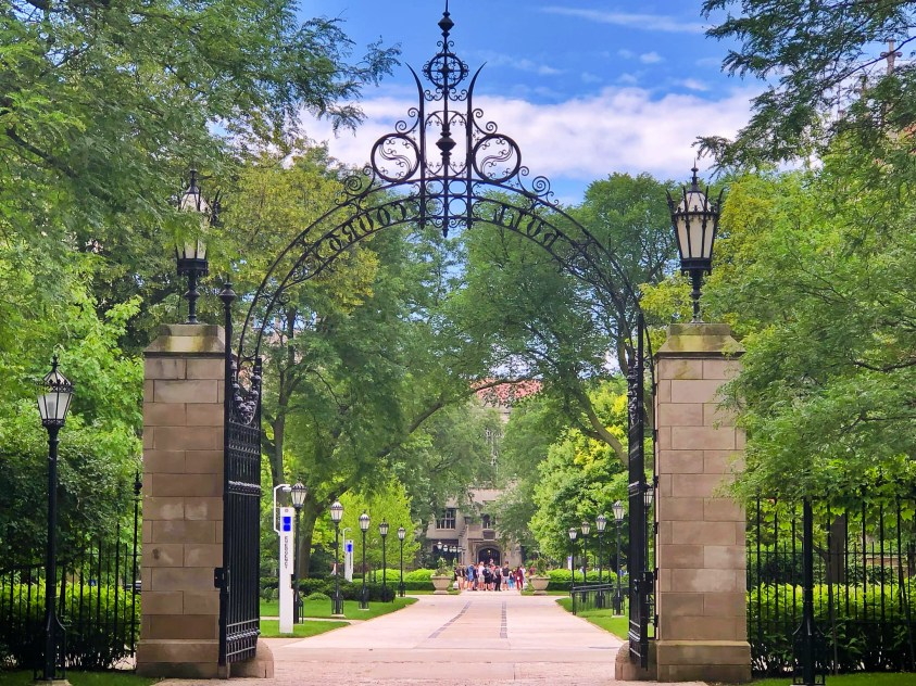 Hull Gate at the University of Chicago. Image by Drsitu at Wikimedia Commons. CC BY-SA 4.0 Int'l.