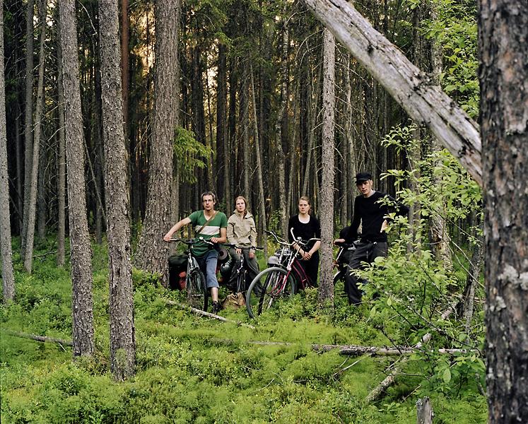 TTommi Taipale, Siiri Anttila, Selja Eskonen and Heikki Tuorila cycling in Russia. Photo: Tommi Taipale