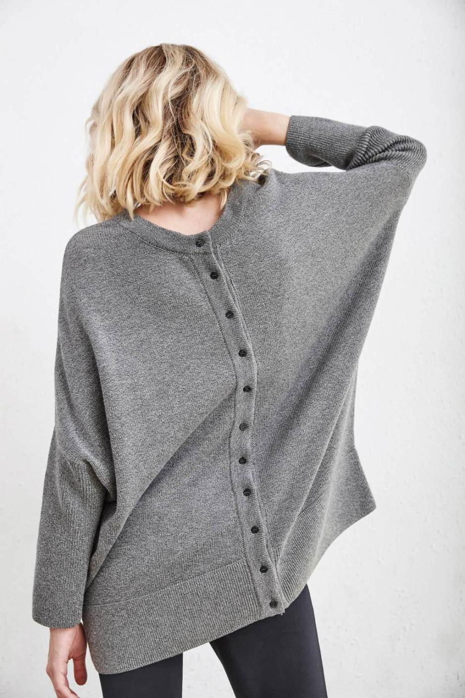 213babdce0dc8f It's more of a 3/4 sleeve, even though the Vetta product photos make it  look like a full length sleeve. (Also worth noting that I do have fairly  long arms ...