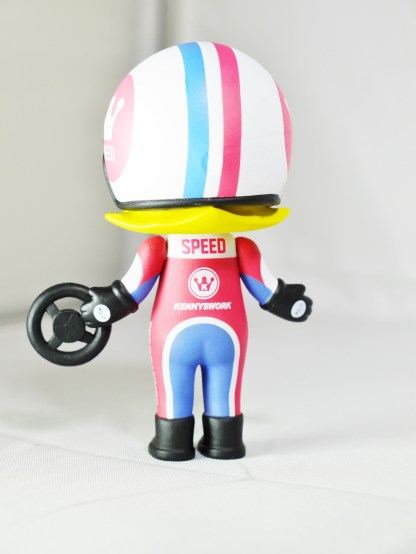 kennyswork-pop-mart-molly-career-racer-red-06