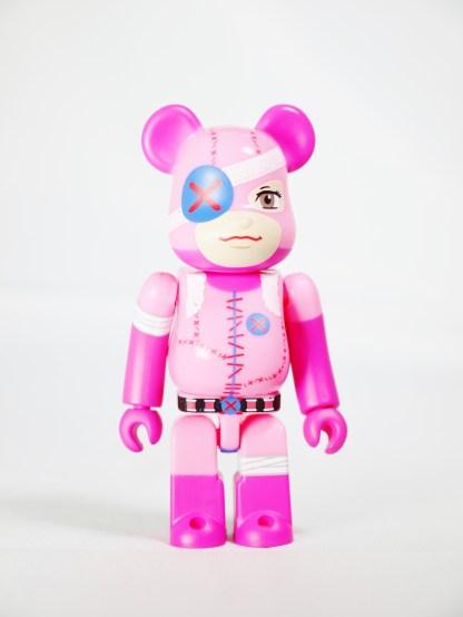 medicom-bearbrick-s27-cute-nuigulumar-z-gothic-lolita-battle-bear-nuigulumar-secret-item-01