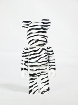 medicom-bearbrick-s27-pattern-zebra-01