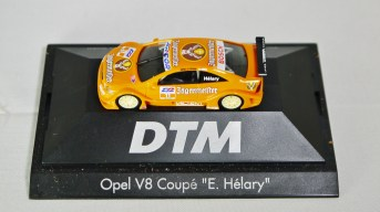 Herpa GmbH - 1-87 Motorsport Collection DTM Opel V8 Coupe E. Helary 02
