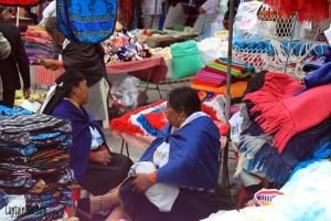 Otavalo_Market_3
