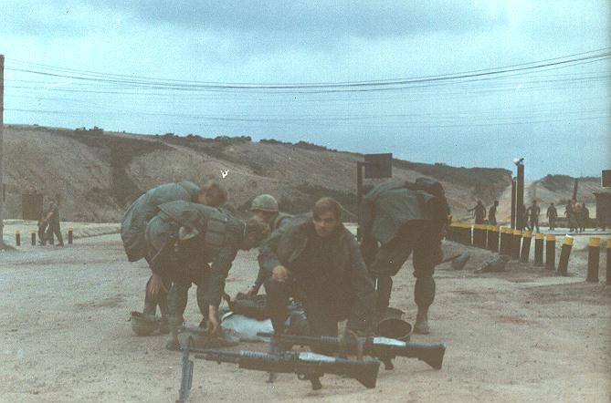US_troops_with_M60s