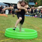 Scandinavian Midsummer Festival 2016-06-19 106 Wife Carrying Contest - Raw power!