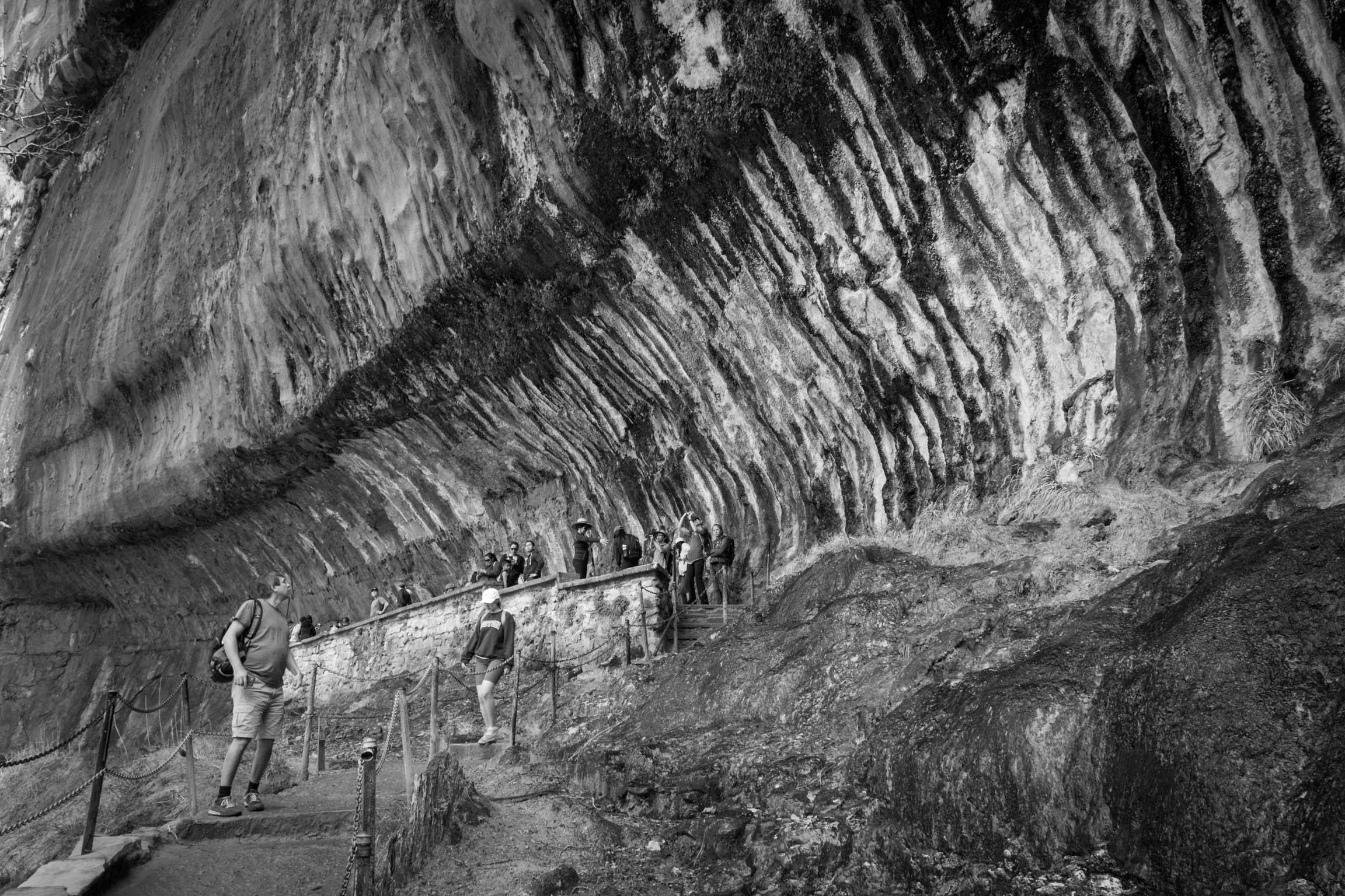 Le Weeping Rock
