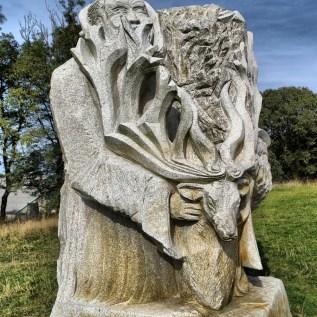 SAINT Thélo Sculpteur : Bruno Panas chantier : 2011 hauteur 3,50 m poids : 10 tonnes