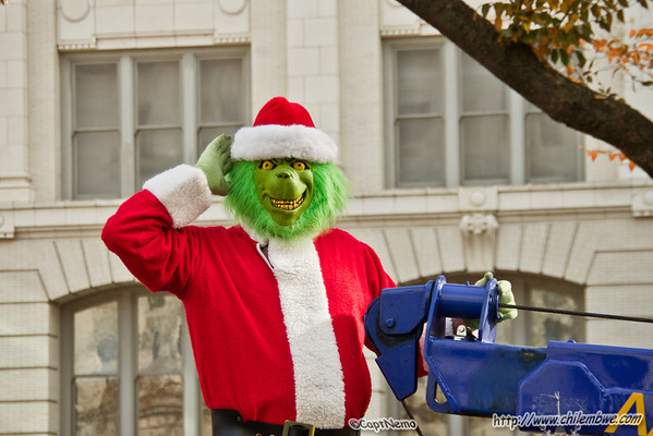 Grinch loves a parade!