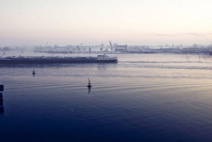 Pim Hendriksen - Amsterdam Ship on IJ