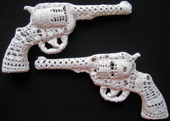 crochet_guns