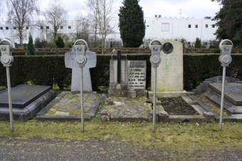 robert_rickhoff_grave_meters