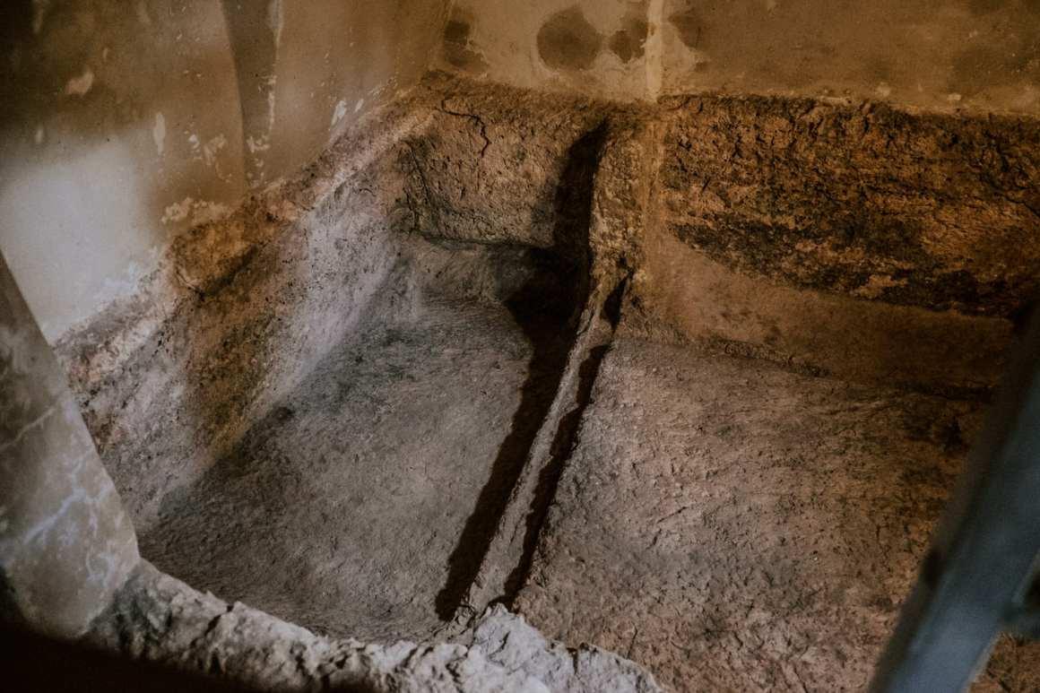 empty tomb of jesus