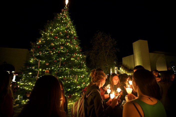 Tree lighting at Pepperdine 12