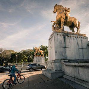 Crossing Arlington Memorial Bridge by bicycle to Roosevelt Island