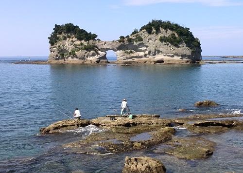 4.円月島