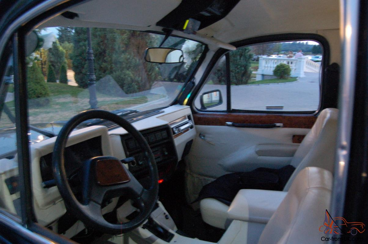 1992 CARBODIES TAXIHIRE CAR BLACK LONDON TAXI LHD