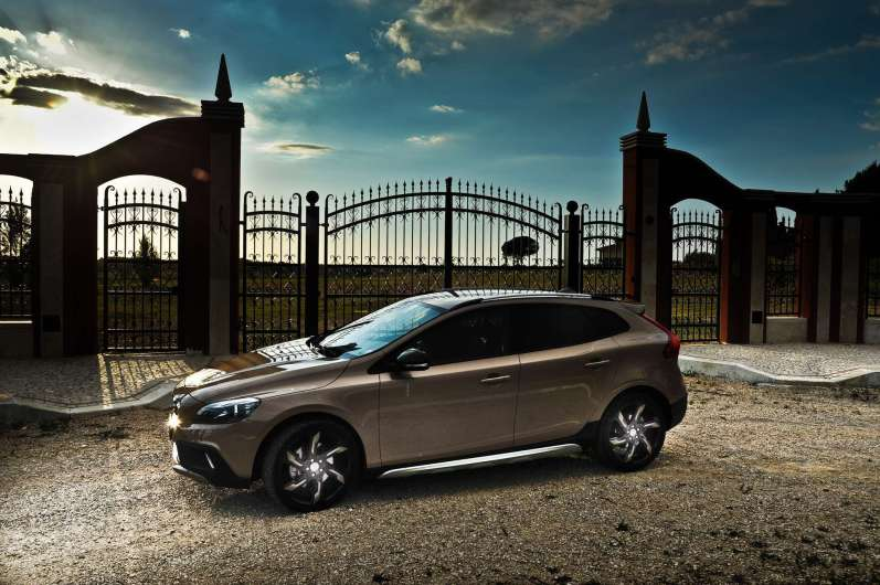VolvoV40CrossCountry_Copy-Mrlukkor