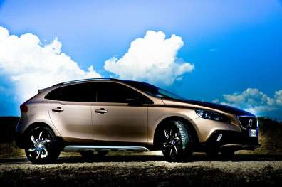 VolvoV40D3CrossCountry-C_Mrlukkor-9
