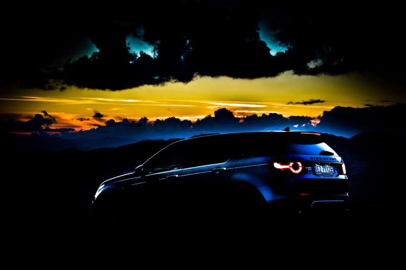 3pic_LANDROVER-DISCOVERY-SPORT-PETROL_lucaromanopix-37