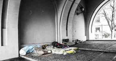 """La atención a las personas sin hogar se muestra """"insuficiente"""" en plena nevada y ola de frío"""