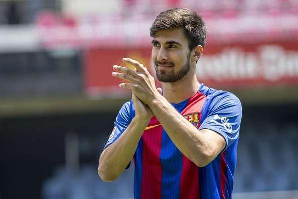 Barcelona Tolak Tawaran Juventus Untuk Gelandangnya