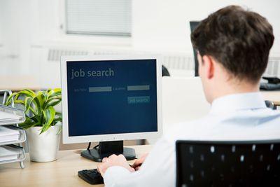 Mencari Lowongan Kerja Online