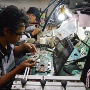 Peluang usaha jasa reparasi komputer