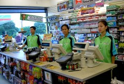 Usaha Franchise Minimarket: Keuntungan dan Kekurangannya