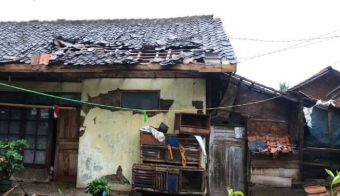 rumah rusak