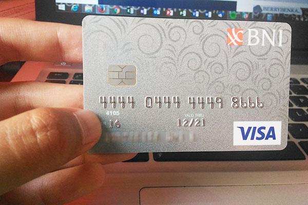 Biaya tahunan Kartu kredit