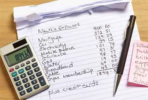 Daftar pengeluaran bulanan