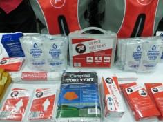 Earthquake kit display - Tradex