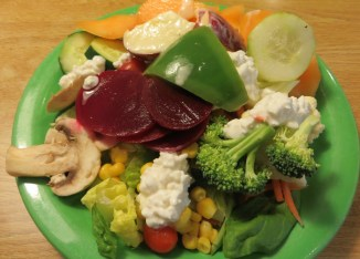 Beetroot salad with cottage chees